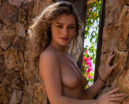Alice Antoinette - Cassandra Keyes Photoshoot