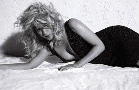 Shakira - Carter Smith Photoshoot 2013 for ELLE