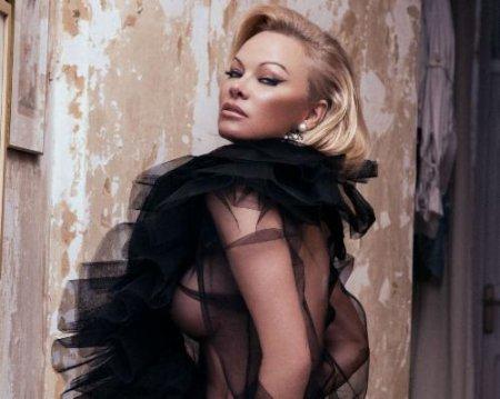 Pamela Anderson - Carmelo Redondo Photoshoot