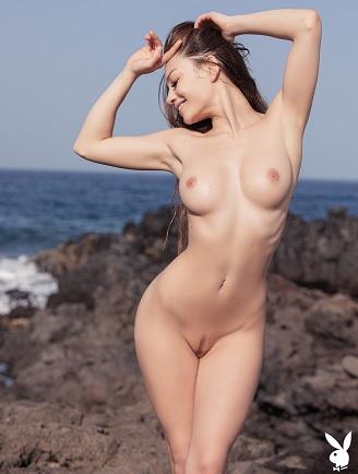 Playboy Present - Clara - Henrik Pfeifer Photoshoot 2020