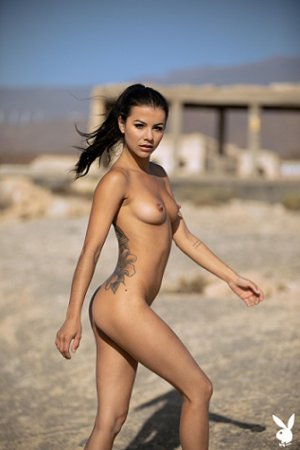 Playboy Present - Estefania Pahe - Henrik Pfeifer Photoshoot 2020