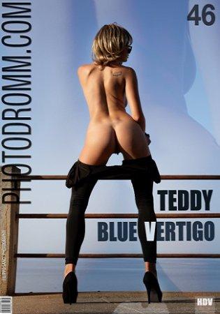 PhotoDromm - Teodora - Blue Vertigo - 2021